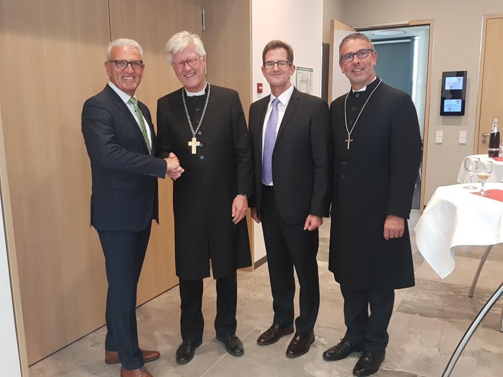 Bürgermeister Altrichter, Landesbischof, stellv. Landrat Suckfüll, Dekan Büttner (c) MKam