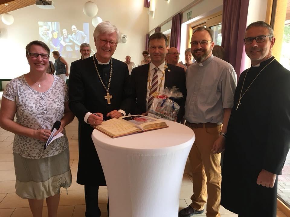 Begegnung in Bad Königshofen (c) Landesbischof
